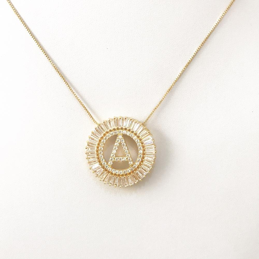 Colar Mandala de Letra Personalizado Folheado a Ouro 18k
