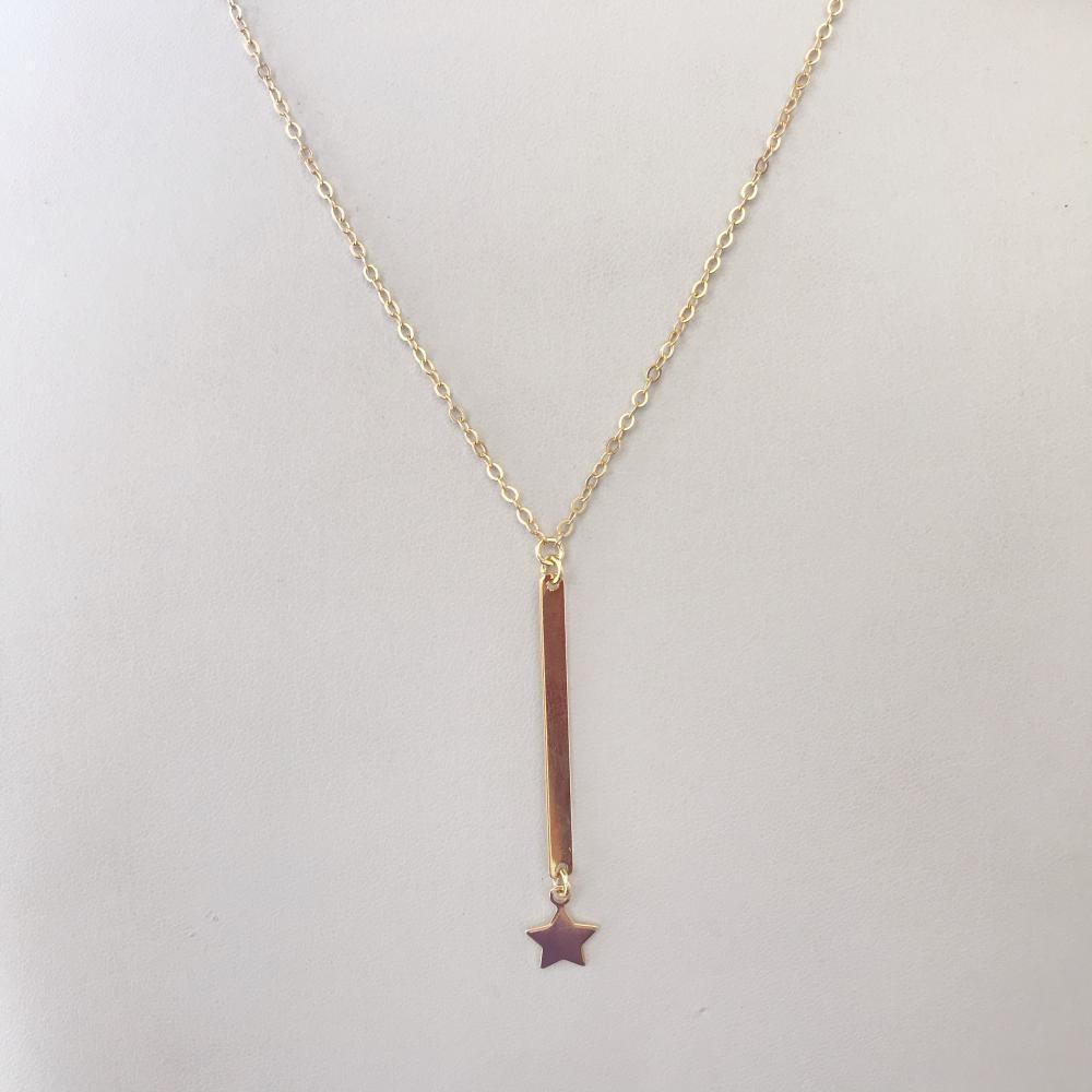 Colar minimalista gravata com estrela folheado a ouro 18k