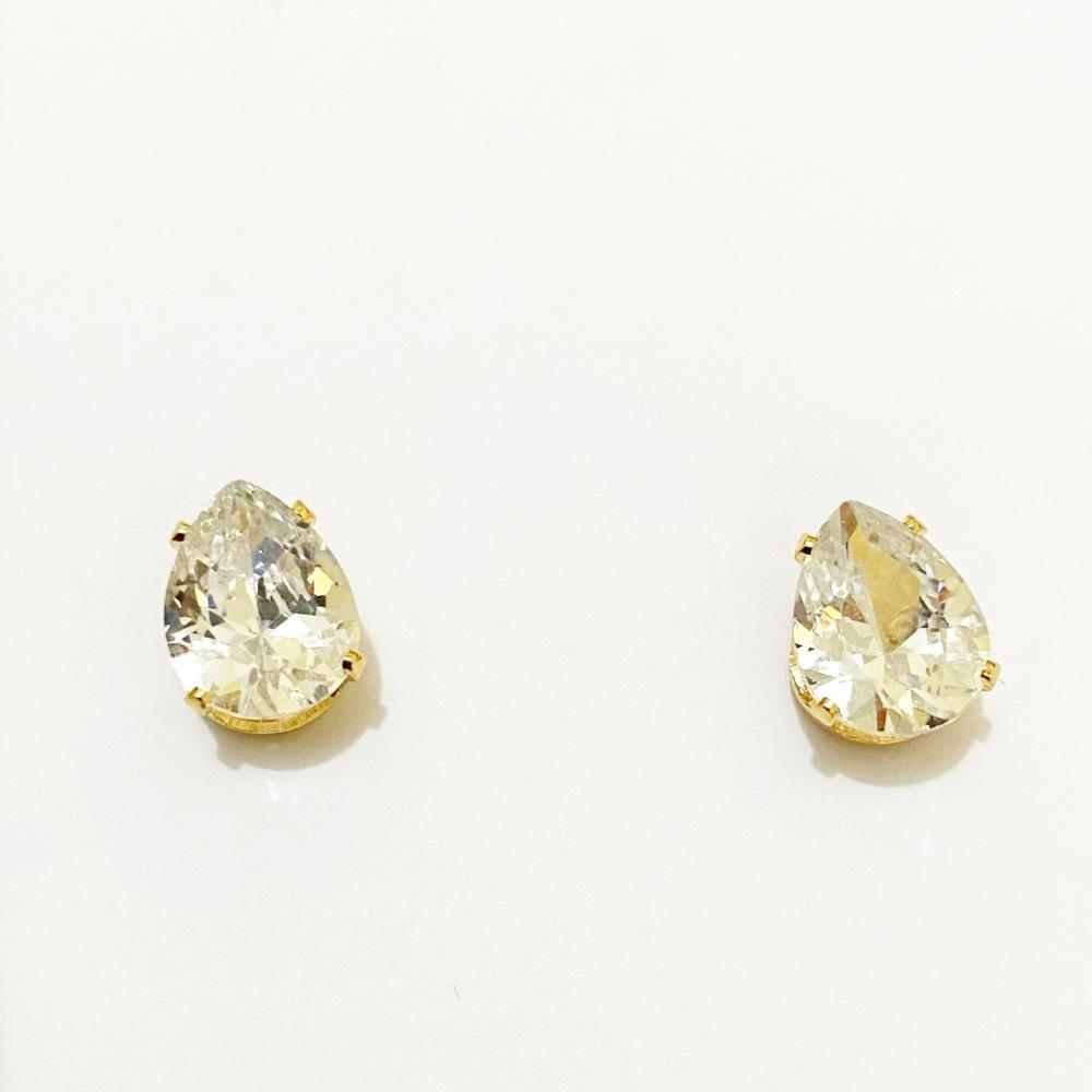 Brinco de gota média cravejada com zircônia folheado a ouro 18k