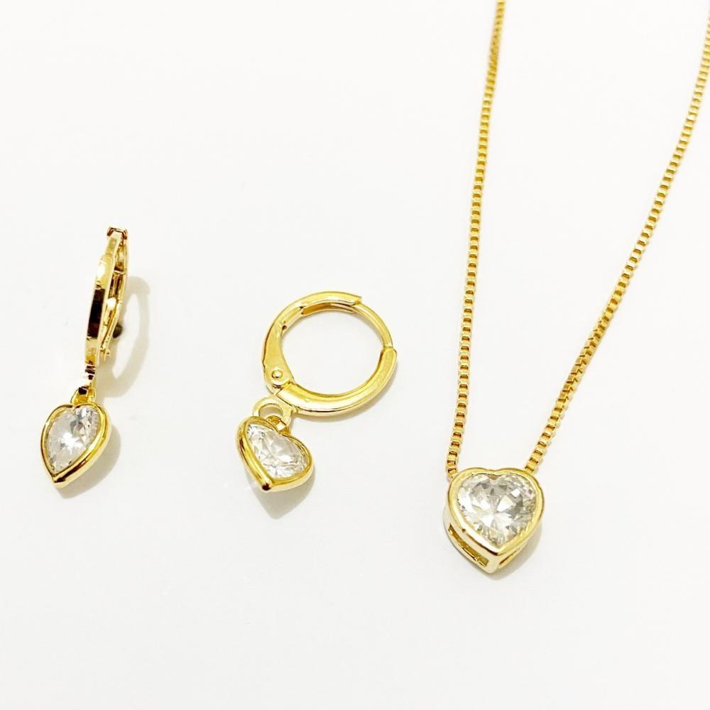 Conjunto de coração cravejado com zircônia folheado a ouro 18k