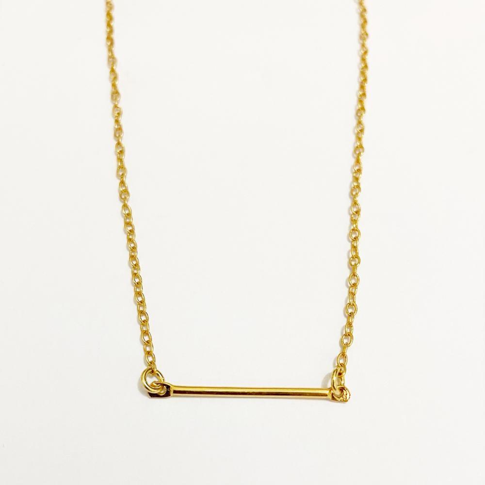 Colar choker minimalista geométrica folheada a ouro 18k