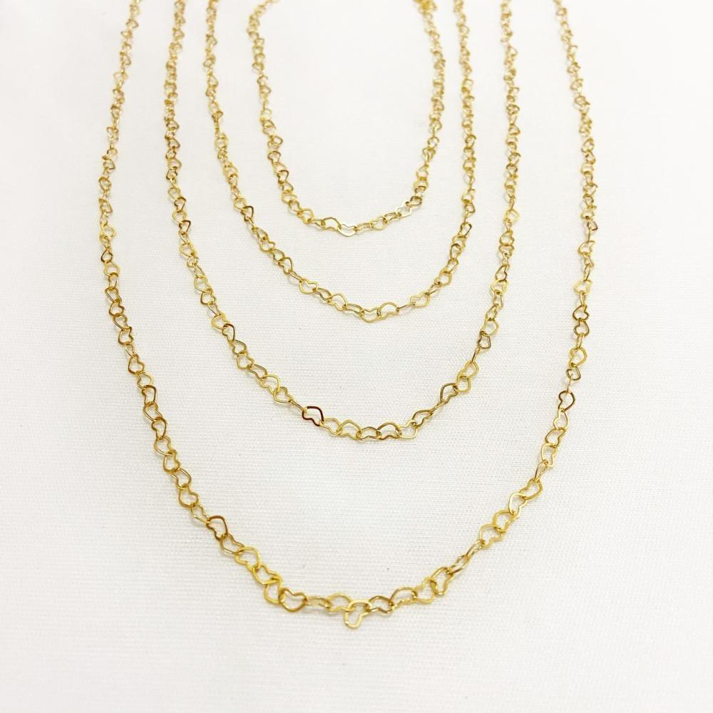 Mix de colares com corrente de mini elos de coração folheado a ouro 18k