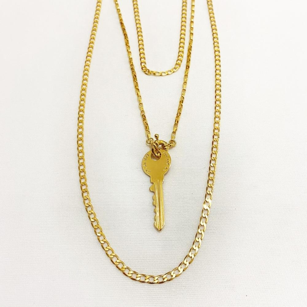 Mix de colares com corrente grume e pingente de chave folheado a ouro 18k