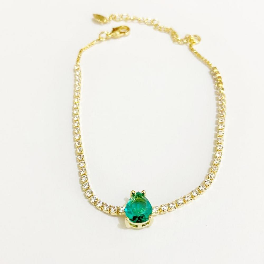 Pulseira com corrente de zircônia e pingente de gota na cor verde folheado a ouro 18k